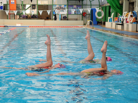 שחייה אמנותית