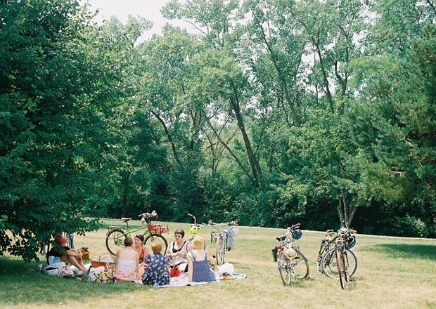lgrab.picnic.jpg