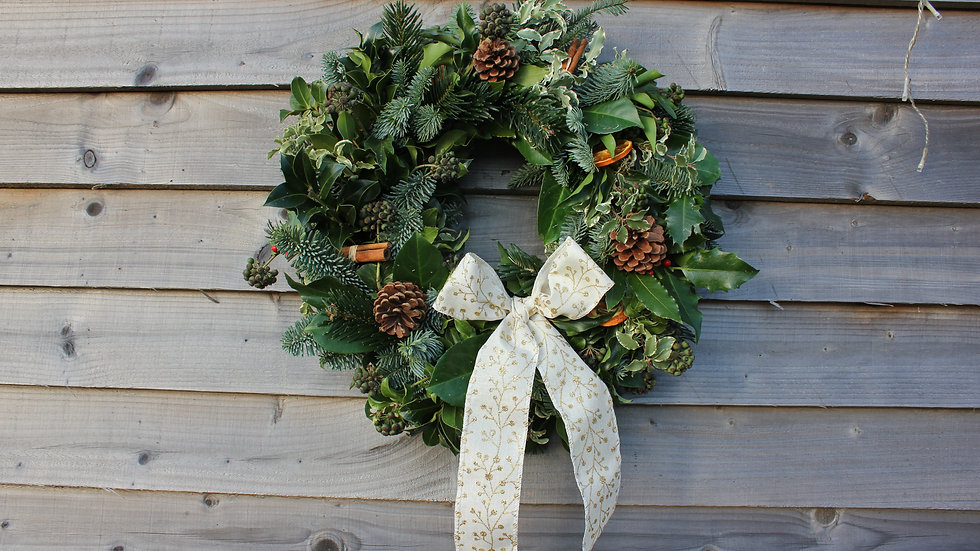 Christmas Wreath Kit (NO FOLIAGE)