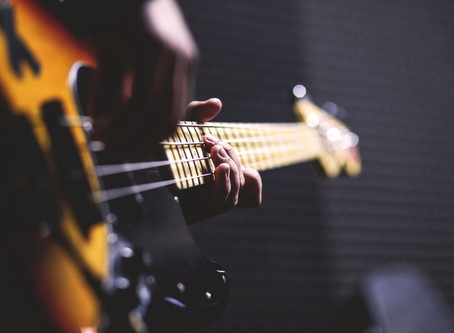 How to Mic a Bass Cabinet: 5 Quick Tips
