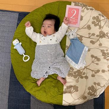 生後2ヶ月 大きめ赤ちゃんなのでせんべい座布団が丁度いいです!!