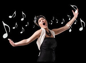 למה זמרים רבים מתאמנים הרבה פחות מנגנים?