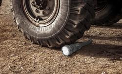 TL10PS_Under_tire
