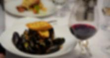 メインダイニング ムール貝と赤ワイン