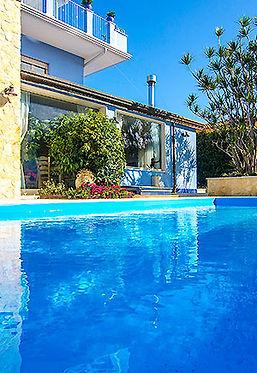 piscinaMed.jpg