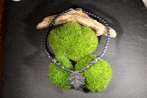 collier fait main en onyx mat et argent