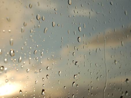 Piove forte su di noi. Genitori separati dietro i vetri della quarantena