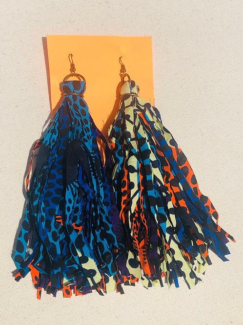 Mixed print tassels
