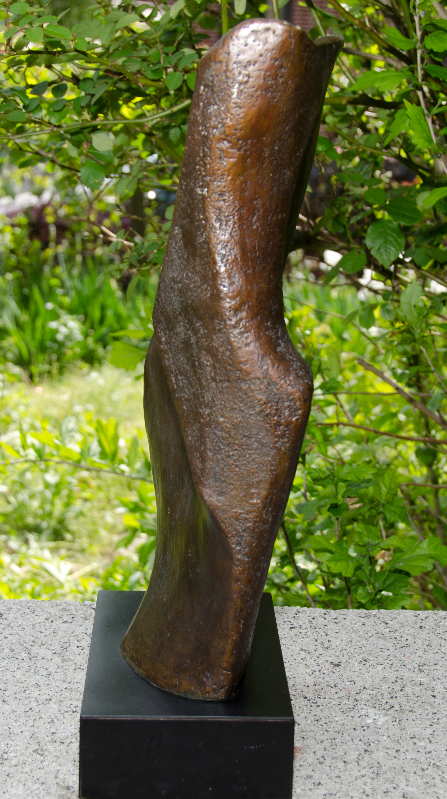 Form's Flow-Bronze