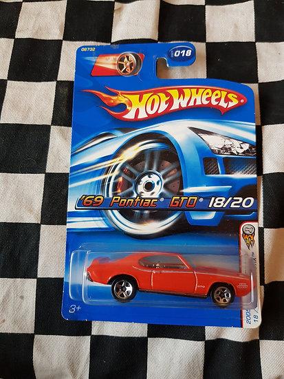 Hot wheels 2005 First Edition 69 Pontiac GTO