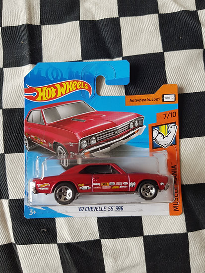 Hot Wheels 2019 Muscle Mania 67 Chevelle SS 396