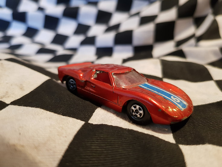 Matchbox Lesney Superfast Ford GT Met Red Green Base