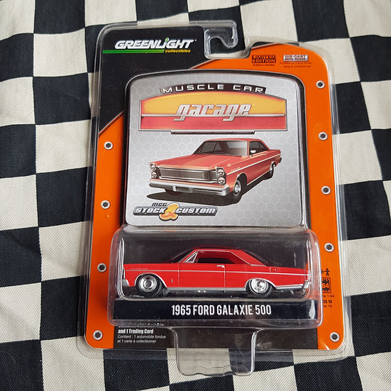 Greenlight Muscle Car Garage 1965 Ford Galaxie 500 Coupe RED