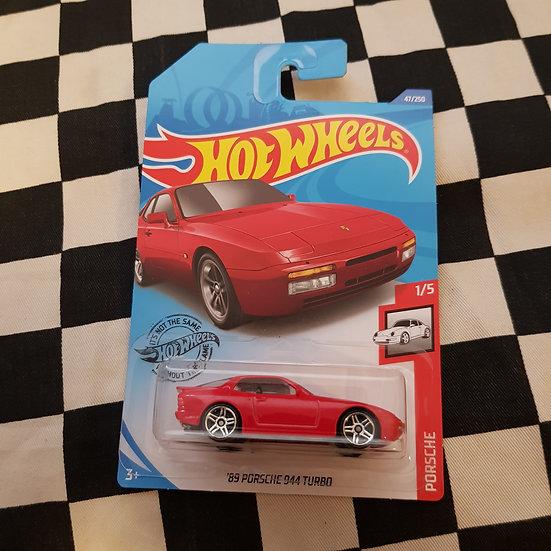 Hot Wheels 2020 Porsche Series 89 Porsche 944 Turbo Red