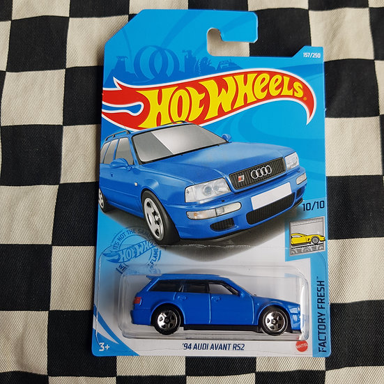 hot Wheels 2021 Factory Fresh 94 Audi Avant RS2 Blue