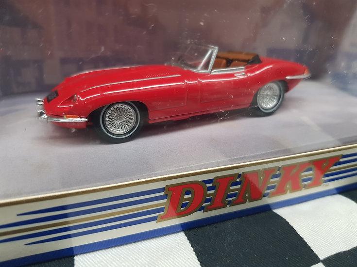 Dinky 1:43 1968 Jaguar E Type Mark 1 1/2