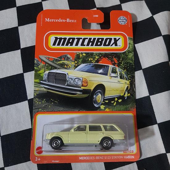 Matchbox Mercedes Benz S123 Station wagon Yellow