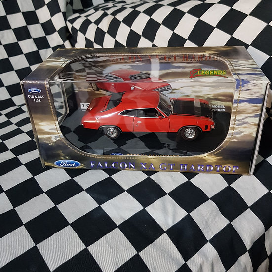 Oz Legends 1:32 Ford Falcon XA GT Hardtop Red