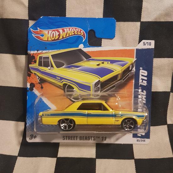 Hot Wheels 2011 Street Beasts 65 Pontiac GTO Short Card