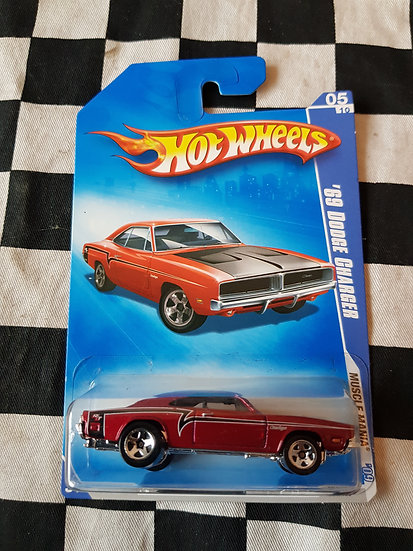 Hot Wheels 2009 Muscle Mania 69 Dodge Charger