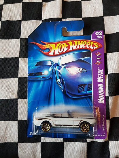 Hot Wheels 2006 Mowtown Metal 65 Mustang Convertible