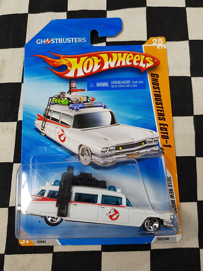 Hot Wheels 2010 First Editions Ghostbusters Ecto 1 Cadillac Ambulance