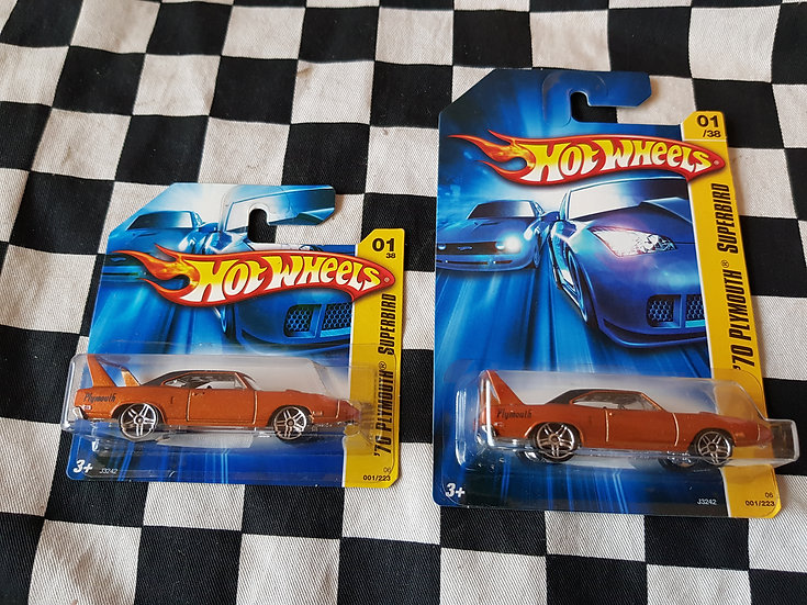 Hot Wheels 2006 First Edition 70 Plymouth Superbird (long/ Short Card Available)
