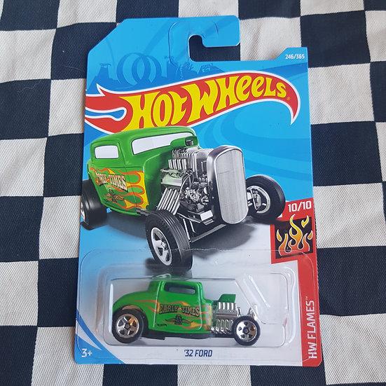 Hot Wheels 2018 Flames 32 Ford 3 Window Hot Rod Green