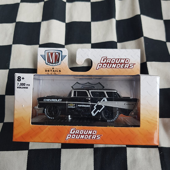M2 Machines 1;64 Boxed Ground Pounders 1957 Chevrolet Nomad