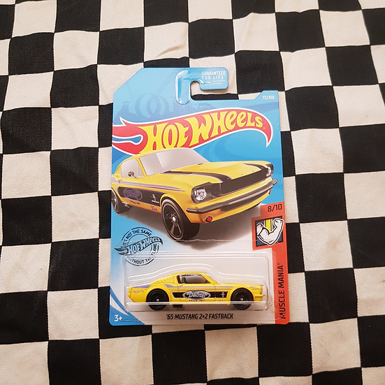 Hot Wheels 2019 Muscle Mania 65 Mustang Fastback Yellow