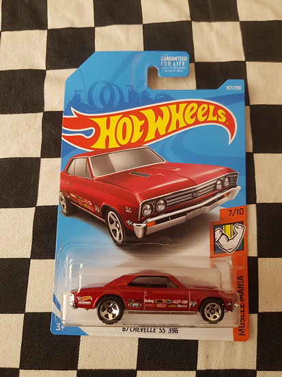 Hot Wheels 2019 Muscle Mania 67 Chevelle SS 396 Red