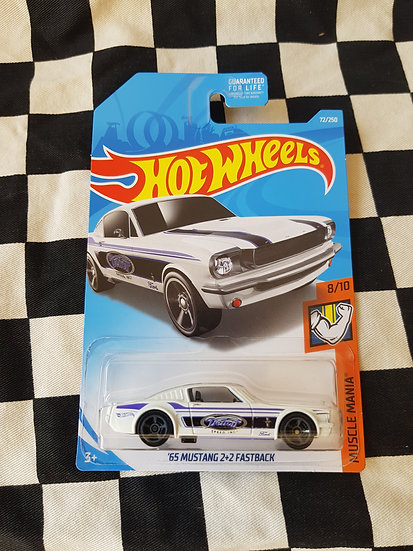 Hot Wheels 2017 Muscle Mania 65 Mustang 2+2 Fastback White