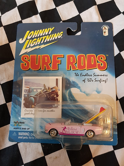 Johnny Lightning  SURF RODS Bikini Beach Pink 65 Ford Mustang Ragtop
