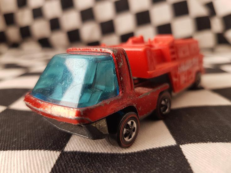 Hot Wheels Redline HeavyWeights Fire Truck Red
