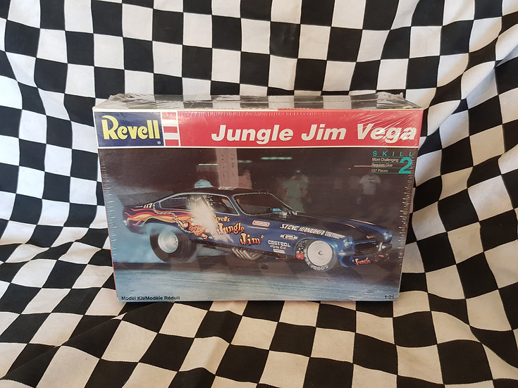 Revell 1;24 JUNGLE JIM'S CHEVY VEGA Nostalgia Funny Car Plastic Model Kit