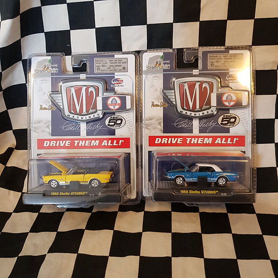 M2 Machines Carroll Shelby 1968 Shelby Mustang GT500KR Blue/Yellow