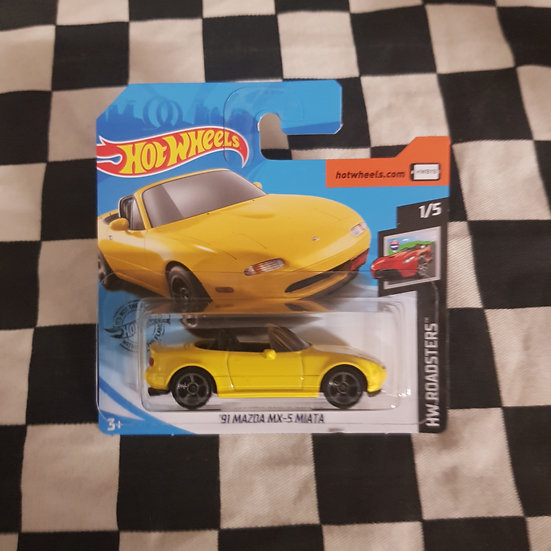 Hot Wheels 2020 Roadsters 91 Mazda MX-5 Miata Yellow