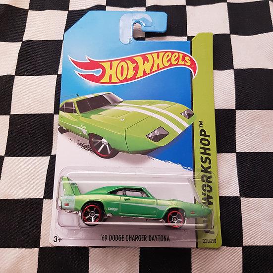 Hot Wheels 2013 Workshop 69 Dodge Charger Daytona Green