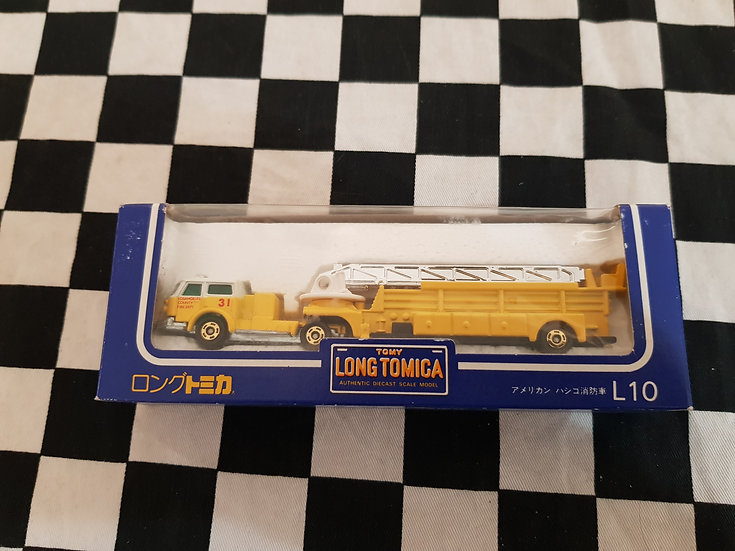 Long Tomica L10 American Lafrance Fire Special Fire Engine Yellow