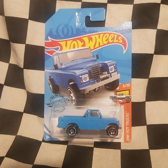 Hot Wheels 2019 Hot Trucks Land Rover Series III Blue