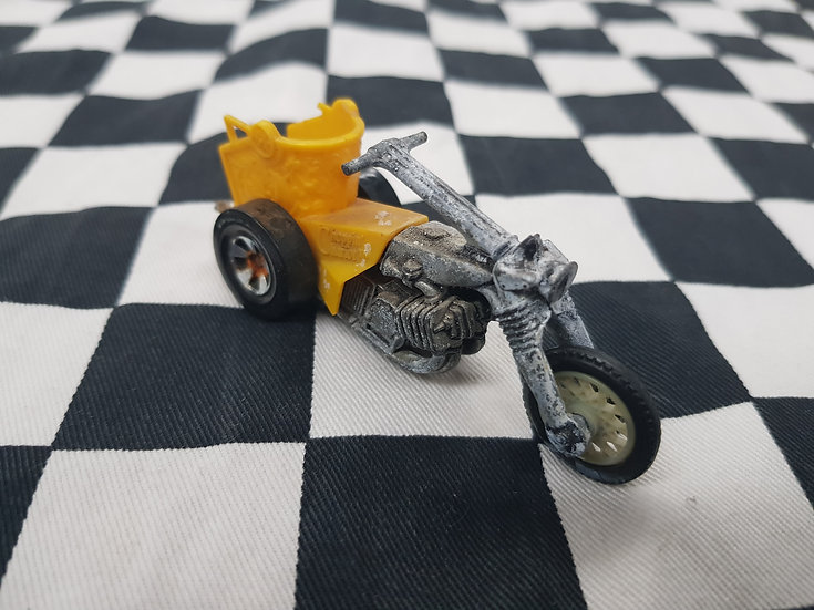 Original Hot Wheels Rumblers Bike Redline Era Chariot