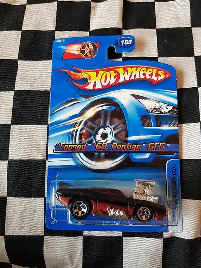 Hot wheels 2006 Tooned 69 Pontiac GTO