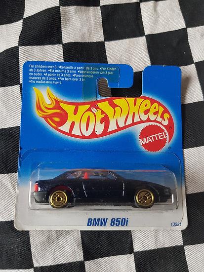 Hot Wheels 1995 Blue Card BMW 850i (Short Card)