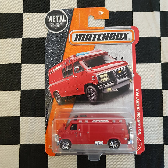Matchbox 2016 95 Custom Chevy Van Red