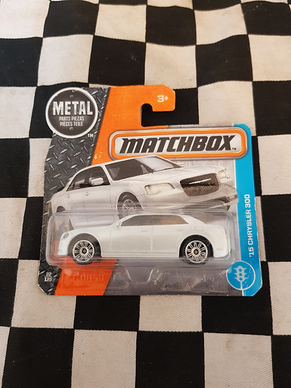 Matchbox 15 Chrysler 300c White Short Card