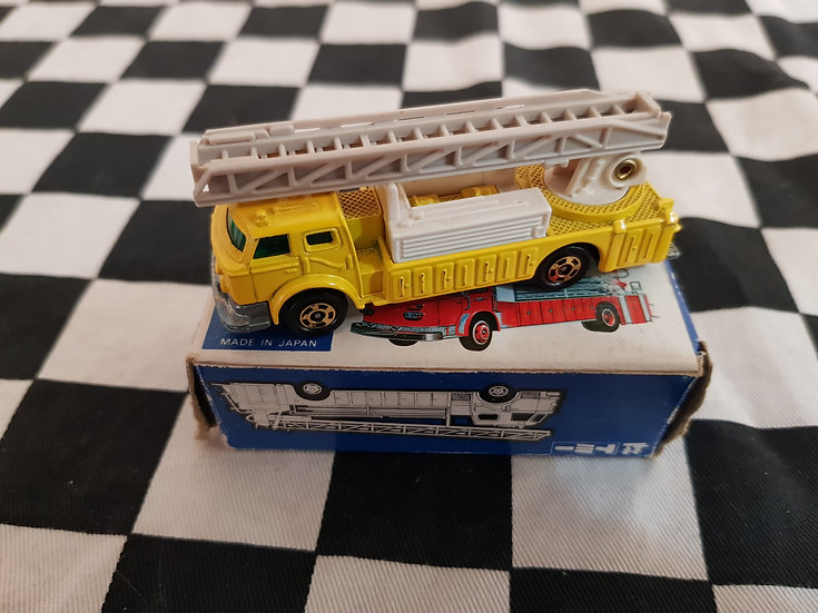 Tomica Vintage American Ladder Chief Fire Engine