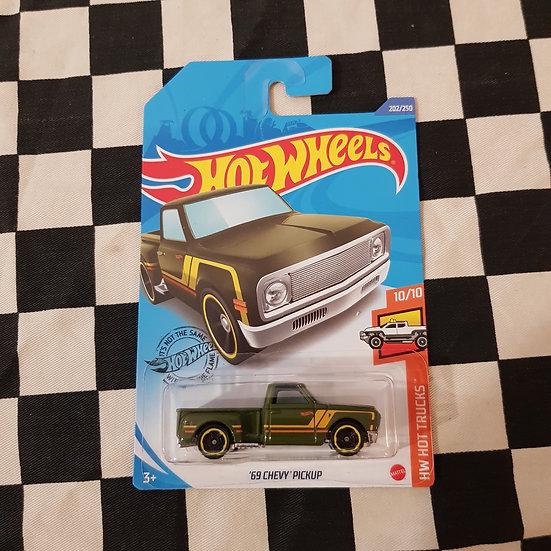 Hot Wheels 2020 Hot Trucks 69 Chevy Pickup Green