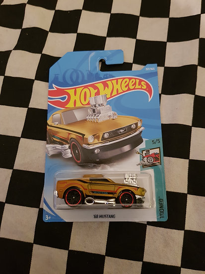 Hot Wheels 2018 Tooned 68 Mustang Gold