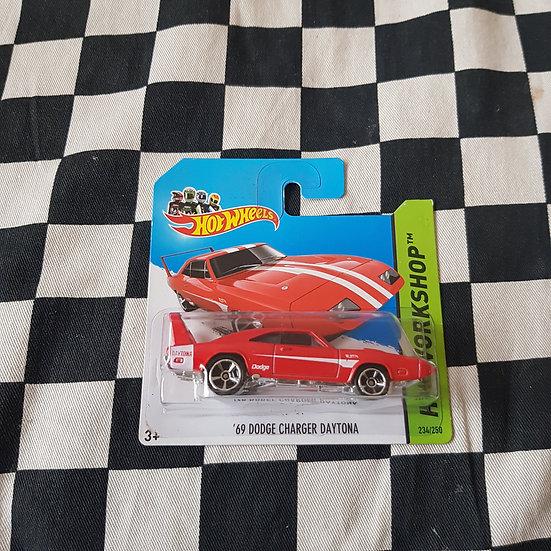 Hot Wheels 2014 Workshop 69 Dodge Charger Daytona Red Short Card