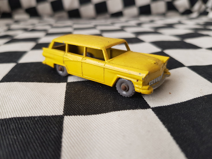 Lesney American Ford Station Wagon Customline Yellow